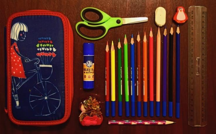 pencil-case-932143_960_720